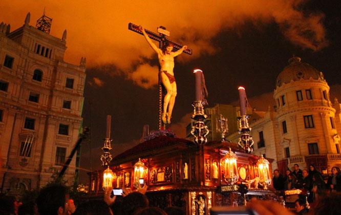 Jueves Santo de Silencio en Granada.